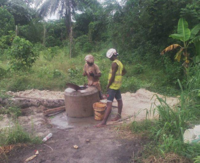 Arbeiten am Brunnen